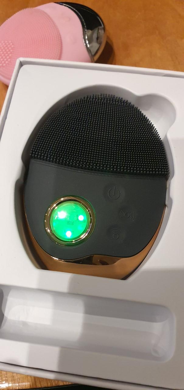Electronic Face Wash